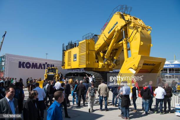 Excavator by the company Komatsu pictured at the building fair Bauma in Munich,Germany, 11 April 2016. Photo:PETERKNEFFEL/dpa   usage worldwide