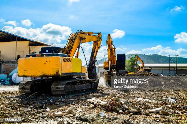 excavator - ancient civilisation stock pictures, royalty-free photos & images