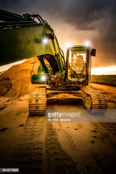 excavator - bulldozer stock pictures, royalty-free photos & images