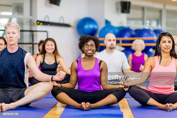 Excercise clase de Yoga ejercicios aeróbicos
