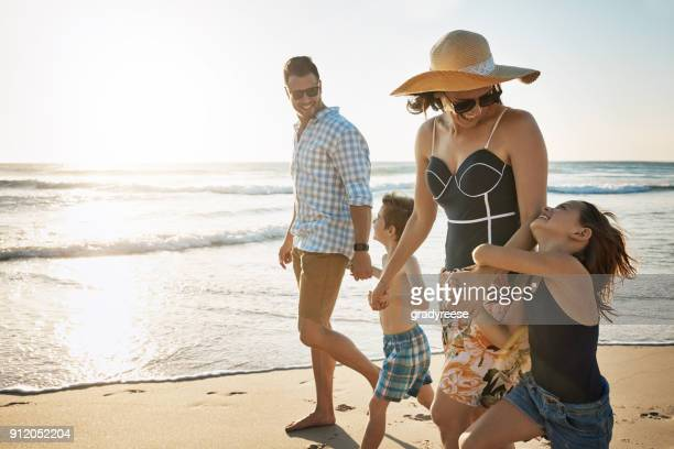 excited for a day in the sun - family vacation stock pictures, royalty-free photos & images