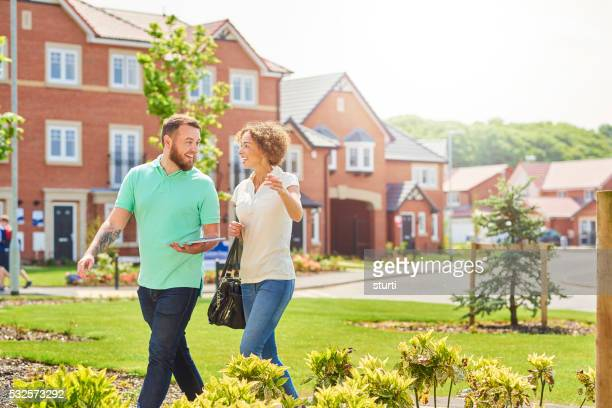 Aufgeregt househunters