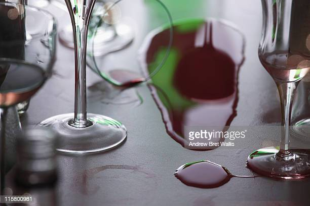 Exclamation mark formed from a wine spill