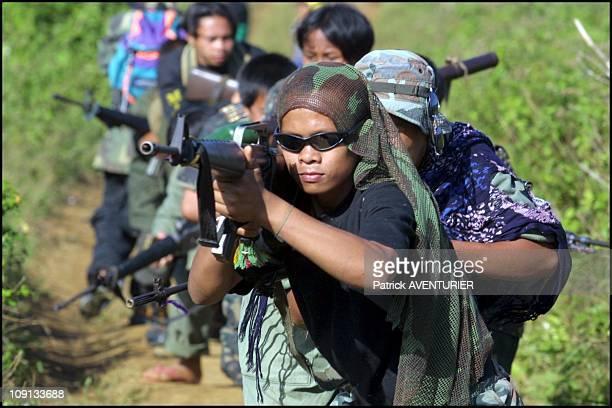 Exclusif Moro Islamic Liberation Front On January 3Rd 2002 In Marawi Philippines Patrol Of 501St Brigade In Nunungun Near Marawi