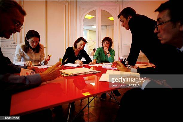 Exclusive A Week At The French Socialist Presidential Candidate Segolene Royal'S Campaign Headquarter In Paris France On February 08 2007 Meeting of...