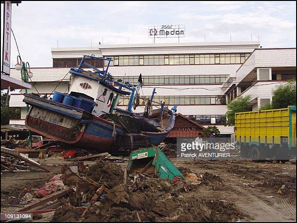 Exclusive Aceh The Day After The Earthquake And Tsunami Disaster On December 27 2004 In Aceh Indonesia Town Of Meulaboh Destroyed At 80%
