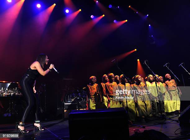 NEW YORK OCTOBER 15 *Exclusive* Alicia Keys and the African Children's Choir on stage at Hammerstein Ballroom during Keep A Child Alive's 6th Annual...
