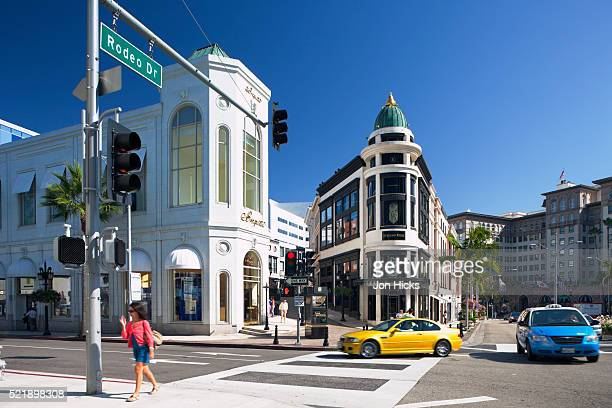 exclusive boutiques and shops on rodeo drive. - beverly hills stock pictures, royalty-free photos & images