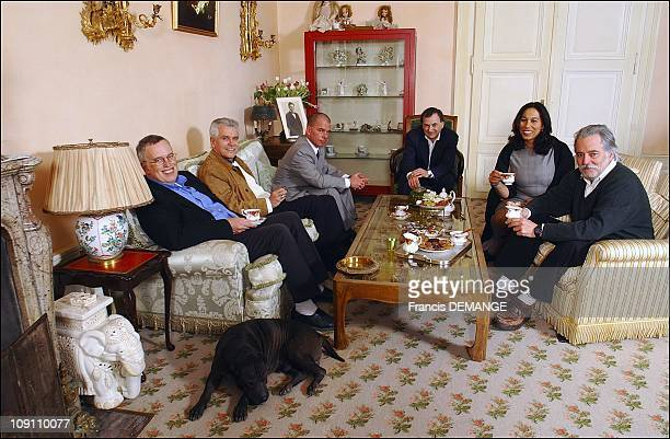 Exclusive Charlie'S Chaplin'S Manor A Last Private Visit Before It Becomes A Museum On March 25 2003 In Switzerland In The Living Room Of The Manoir...