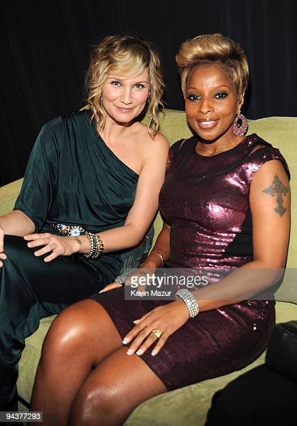 *Exclusive* Jennifer Nettles of Sugarland and Mary J Blige attend TNT's 'Christmas in Washington 2009' at the National Building Museum on December 13...