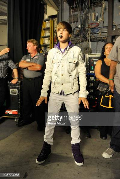 Justin Bieber My World Tour Madison Square Garden Backstage Photos And Images Getty Images