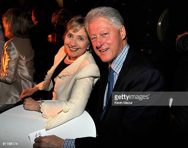 NEW YORK SEPTEMBER 26 *Exclusive* Secretary of State Hillary Clinton and President Bill Clinton attend Barbra Streisand's performance in support of...