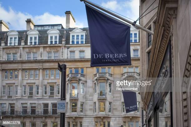 Exclusivo de compras en New Bond Street. Mostrando la servilleta, la compañía diamante exclusivo establecido en 1888