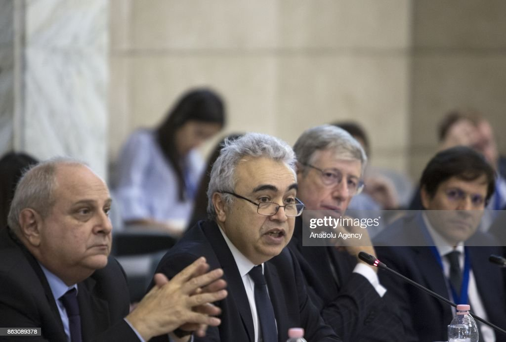 Executive director of the International Energy Agency, Fatih Birol (C) makes a speech during the presentation of the World Energy Outlook Special Report 'Energy Access Outlook: from Poverty to Prosperity' at Farnesina Foreign Ministry headquarters in Rome, Italy, on October 19, 2017.