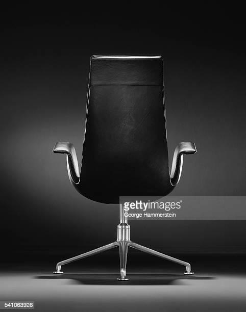executive office chair - chaise de bureau photos et images de collection
