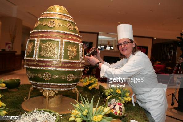 909 Faberge Egg Photos And Premium High Res Pictures Getty Images
