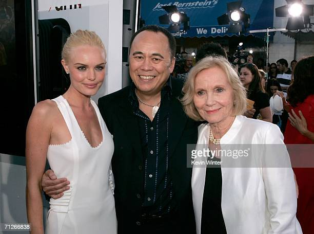 Executive Producer Chris Lee poses with actresses Kate Bosworth and Eva Marie Saint as they arrive at the Warner Bros premiere of Superman Returns...