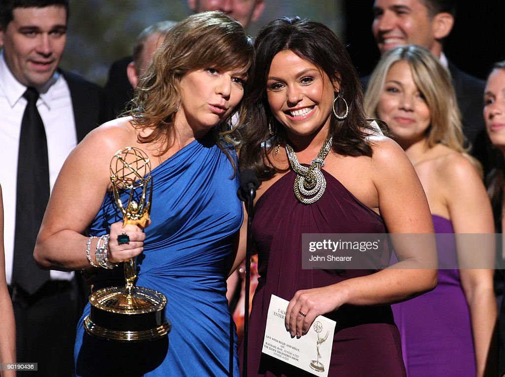 Executive Producer Janet Annino (L) and TV Personality Rachael Ray accept the Emmy for Outstanding Talk Show/Entertainment during the 36th Annual Daytime Emmy Awards at The Orpheum Theatre on August 30, 2009 in Los Angeles, California.