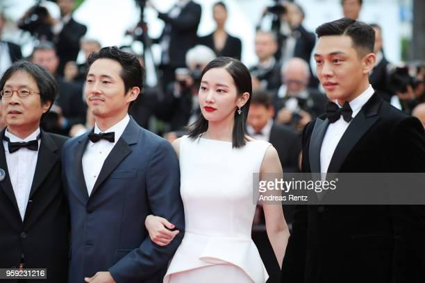 Executive producer Jundong Lee actor Steven Yeun actress Jongseo Jeon actor Ahin Yoo and director Changdong Lee attend the screening of 'Burning'...