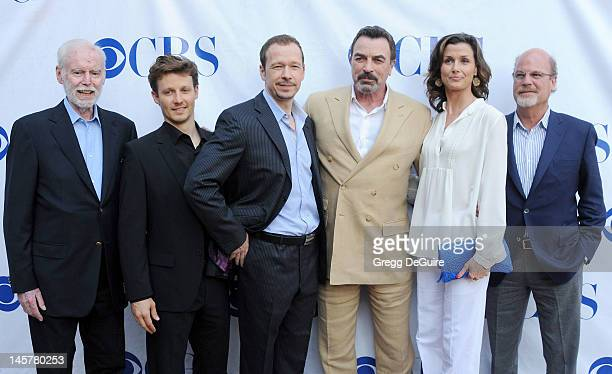 Executive producer Leonard Goldberg actors Will Estes Donnie Wahlberg Tom Selleck Bridget Moynahan and executive producer Kevin Wade arrive at the...
