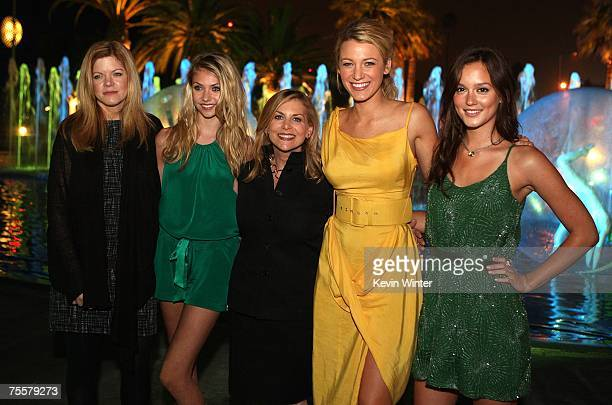 Executive producer Stephanie Savage actresse Blake Lively CW president Dawn Ostroff actresses Taylor Momsen and Leighton Meester pose during the CW...
