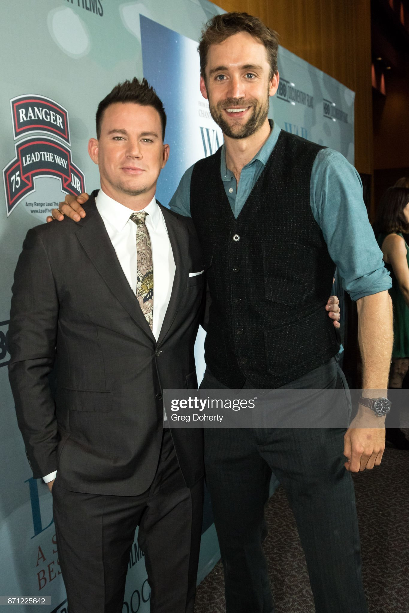 ¿Cuánto mide Channing Tatum? - Altura - Real height Executive-producers-channing-tatum-and-reid-carolin-attend-the-hbo-picture-id871225642?s=2048x2048