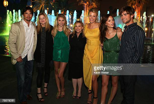Executive producers Matthew Settle Stephanie Savage actress Blake Lively CW president Dawn Ostroff actresses Taylor Momsen Leighton Meester and actor...