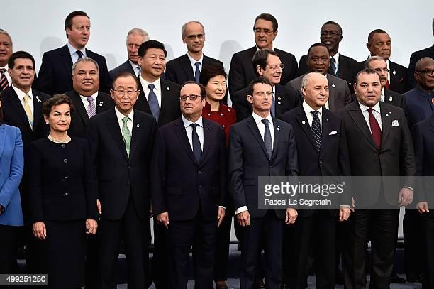 Executive Secretary of the United Nations Christiana Figueres, U.N General secretary, Banki Moon, French President Francois Hollande, French Prime...