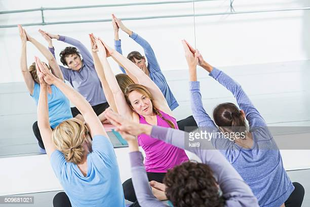 exercise class - barre class stock photos and pictures