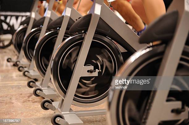 exercising - spinning stockfoto's en -beelden