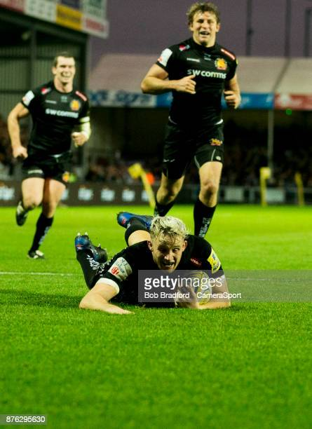 Exeter Chiefs' Jonny Hill scores his sides fourth try during the Aviva Premiership match between Exeter Chiefs and Harlequins at Sandy Park on...