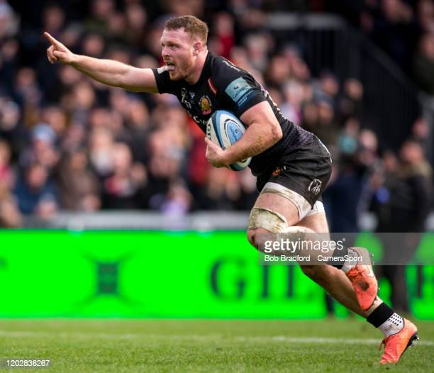 Exeter Chiefs' Sam Simmonds scores his sides seventh try during the Gallagher Premiership Rugby match between Exeter Chiefs and Northampton Saints at...