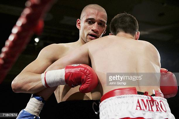 Exfootballer Curtis Woodhouse makes his professional debut against Dean Marcantonio during the Lightmiddleweight fight on September 8 2006 at the...