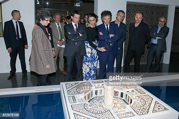 Exhibition Curator Nathalie Sultan French Prime Minister Manuel Valls Exhibition Curator Agnes Carayon and President of the 'Institut du Monde Arabe'...