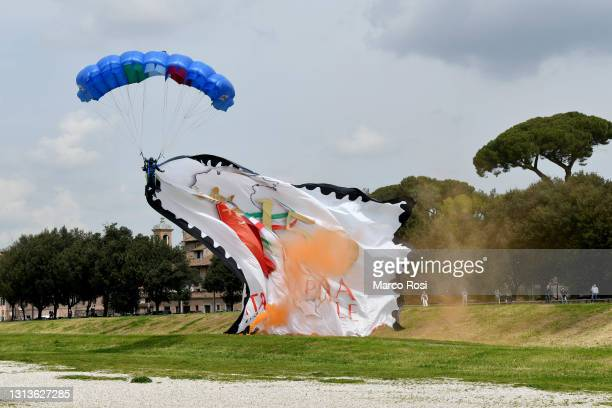 Exhibition of the paratroopers of the Lazio sports center during 2774th Rome foundation's Anniversary on April 21, 2021 in Rome, Italy.