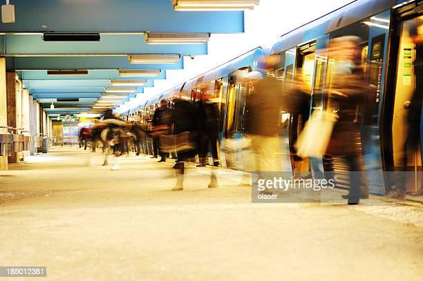 Verlassen Sie die U-Bahn-Zug