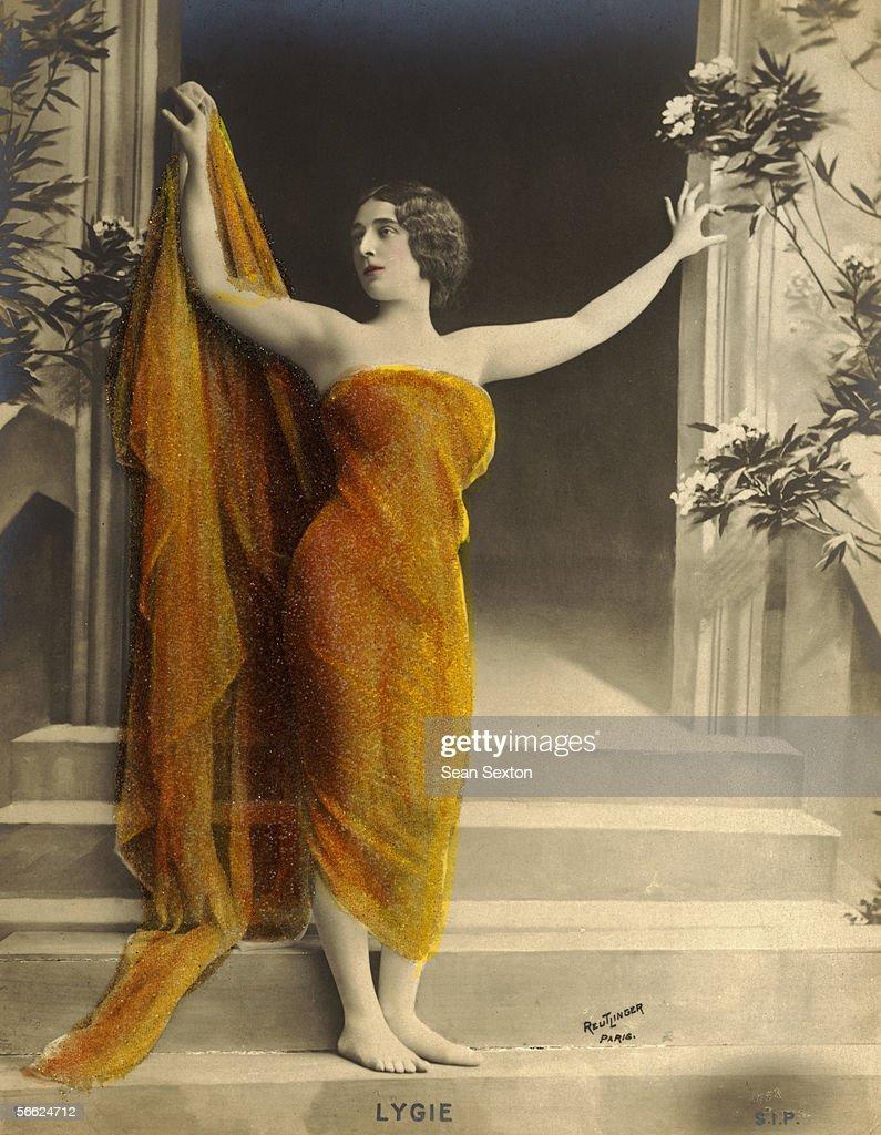 Fantastic Exotic Dancer Gowns Vignette - Wedding and flowers ...