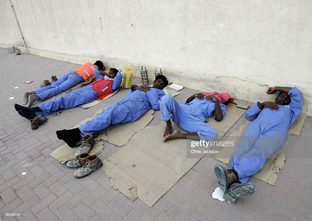 Construction Workers on Dubai Building Site : News Photo