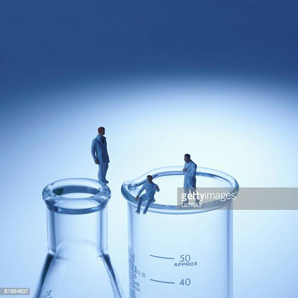 Experiment tool and researcher.