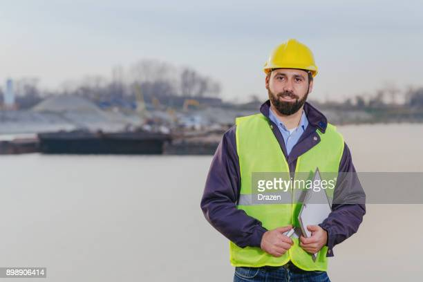 Expert engineer for canal networks and inland waterways