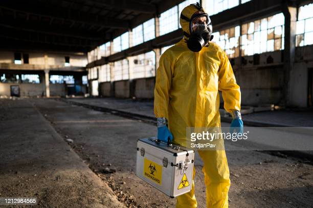 expert for biochemical examination - biochemical weapon stock pictures, royalty-free photos & images