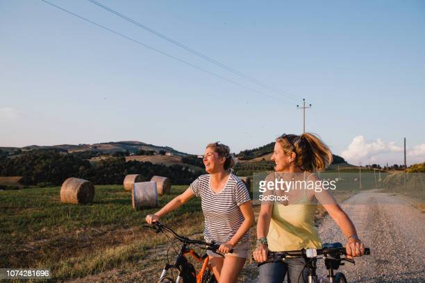 exploring italy at sunset - early retirement stock pictures, royalty-free photos & images