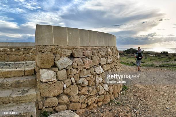 exploring pahos - パフォス考古学公園 ストックフォトと画像