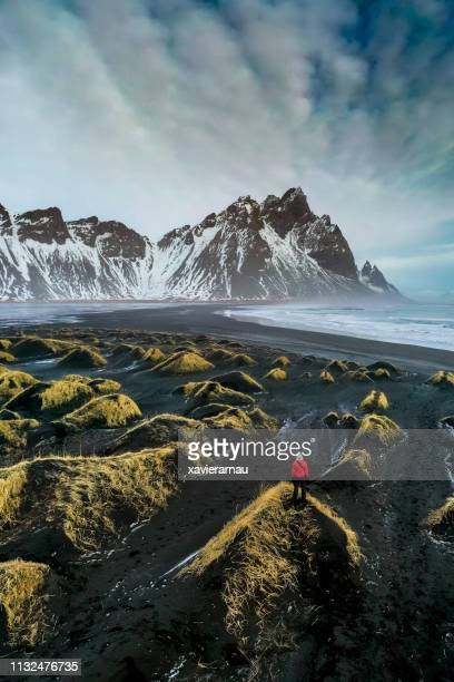 exploring stokksnes bay - dramatic landscape stock pictures, royalty-free photos & images