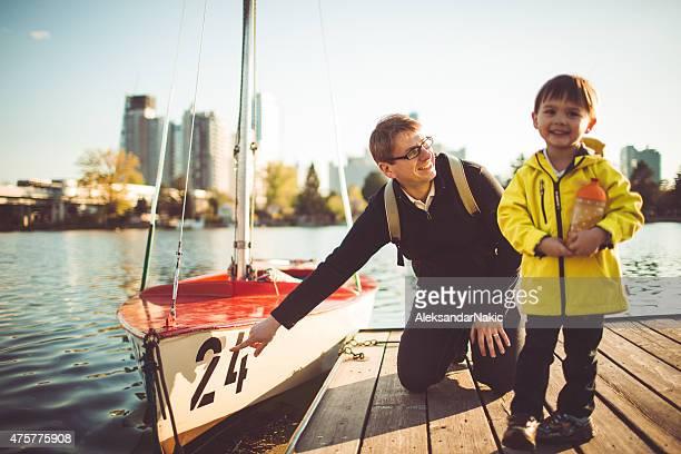 一緒に川を探索 - 人と人との関係 ストックフォトと画像