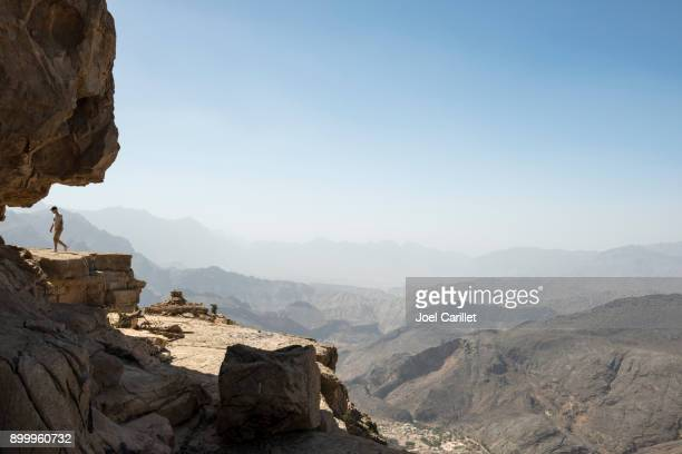 exploring the rugged mountains of oman - gulf countries stock pictures, royalty-free photos & images