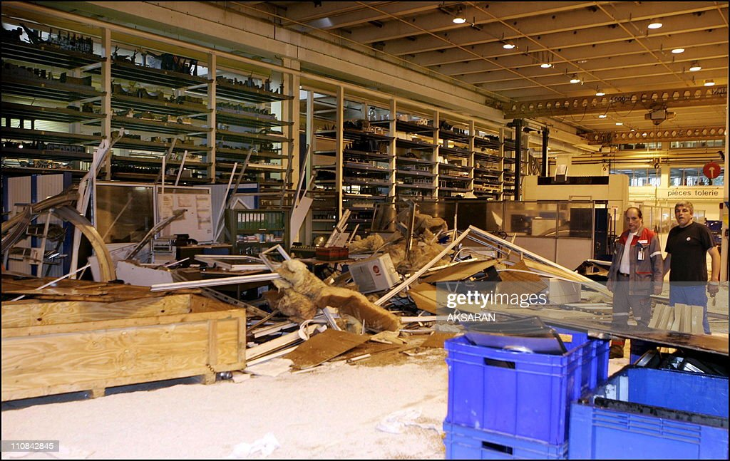 Explosion At Factory Saint-Eloi Of Airbus In Toulouse, France On May 29, 2006. : Photo d'actualité