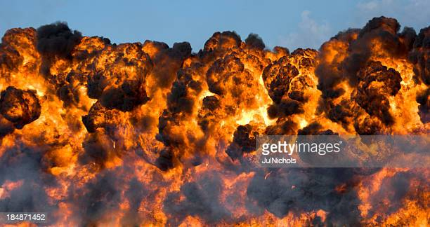 Explosion: Feuerball und Rauch