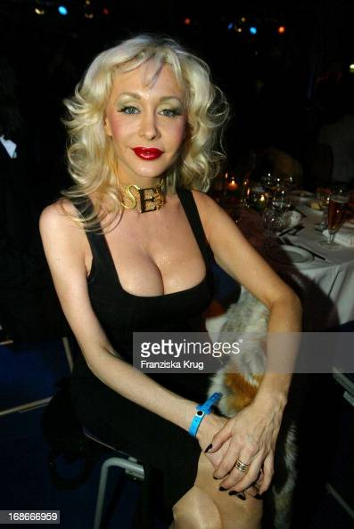 Ex-Porn Star Dolly Buster During The Boxing Match From S -5285