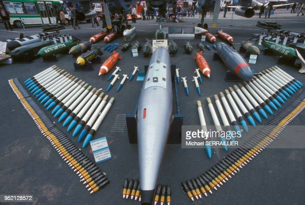 Exposition de missiles Matra au Salon international de l'aéronautique du Bourget en 1979 en SeineSaintDenis France